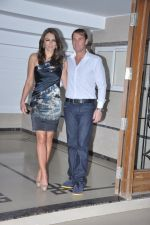 Shane Warne and Liz Hurley at Shilpa Shetty_s bash for Shane Warne and Liz Hurley in Juhu, Mumbai on 24th Nov 2012 (7).JPG