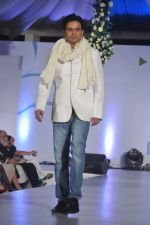 Pawan Shankar at Global peac fashion show by Neeta Lulla at Welingkar Institute in Mumbai on 26th Nov 2012 (157).JPG