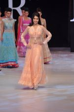 Genelia Deshmukh walk the ramp for Neeta Lulla Show at IRFW 2012 Day 2 in Goa on 29th Nov 2012 (48).JPG