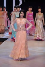 Genelia Deshmukh walk the ramp for Neeta Lulla Show at IRFW 2012 Day 2 in Goa on 29th Nov 2012 (50).JPG