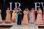 Genelia Deshmukh walk the ramp for Neeta Lulla Show at IRFW 2012 Day 2 in Goa on 29th Nov 2012 (57).JPG
