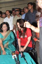 Aishwarya Rai Bachchan on World AIDS day for UNAIDS in Sion on 1st Dec 2012 (15).JPG