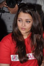 Aishwarya Rai Bachchan on World AIDS day for UNAIDS in Sion on 1st Dec 2012 (2).JPG