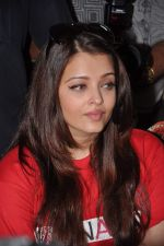 Aishwarya Rai Bachchan on World AIDS day for UNAIDS in Sion on 1st Dec 2012 (20).JPG