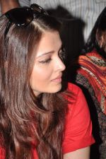 Aishwarya Rai Bachchan on World AIDS day for UNAIDS in Sion on 1st Dec 2012 (4).JPG
