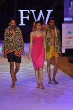 Model walk the ramp for Welspun Show at IRFW 2012 in Goa on 1st Dec 2012 (4).JPG