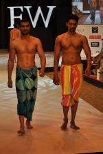 Model walk the ramp for Welspun Show at IRFW 2012 in Goa on 1st Dec 2012 (8).JPG