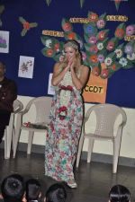 Paris Hilton visits Ashray orphanage in Bandra, Mumbai on 3rd Dec 2012 (23).JPG