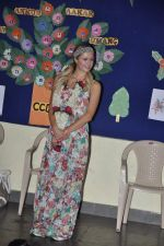 Paris Hilton visits Ashray orphanage in Bandra, Mumbai on 3rd Dec 2012 (25).JPG