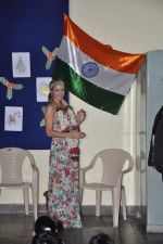 Paris Hilton visits Ashray orphanage in Bandra, Mumbai on 3rd Dec 2012 (36).JPG