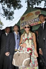 Paris Hilton visits Ashray orphanage in Bandra, Mumbai on 3rd Dec 2012 (40).JPG