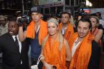 Paris Hilton visits Siddhivinayak Temple in Mumbai on 3rd Dec 2012 (31).JPG