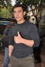 Aamir Khan at Talaash success meet in Bandra, Mumbai on 4th Dec 2012 (49).JPG