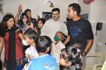 Rohit Sharma meets cancer patients in Parel, Mumbai on 5th Dec 2012 (15).JPG