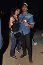 Teejay Sidhu, Karnvir Bohra at Guns N Roses concert in Mumbai on 9th Dec 2012 (27).JPG