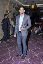Vivaan Bhathena  at Talaash success bash in J W Marriott, Mumbai on 10th Dec 2012 (104).JPG