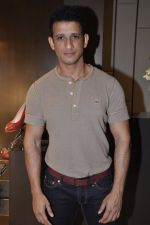 Sharman Joshi at Bally launch in Palladium, Mumbai on 15th Dec 2012 (11).JPG