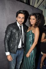 Esha Gupta, Ayushman Khurana at Grey Goose fashion event in Tote, Mumbai on 18th Dec 2012 (80).JPG