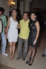 Kamal Hassan, Andrea Jeremiah, Pooja Kumar at Vishwaroop press meet in J W Marriott, Mumbai on 18th Dec 2012 (68).JPG