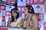 Karisma Kapoor turns RJ for Big FM in Peninsula, Mumbai on 18th Dec 2012 (37).JPG