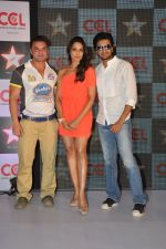 Bipasha Basu, Sohail Khan, Ritesh Deshmukh  announced as the CCL_s brand ambassador in Novotel, Mumbai on 19th Dec 2012 (24).JPG