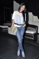 Nina Manuel at Cosmopolitan perfume awards in F Bar, Mumbai on 19th Dec 2012 (58).JPG