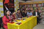 Smita Jaykar at Oswald Periiera book launch with Smita Jaykar in Crossword, Juhu, Mumbai on 19th Dec 2012 (10).JPG