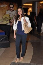 Neelam Kothari at Dabangg 2 premiere in PVR, Mumbai on 20th Dec 2012 (104).JPG
