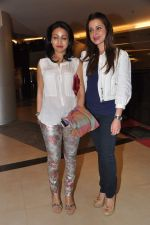 Neelam Kothari, Surily Goel at Dabangg 2 premiere in PVR, Mumbai on 20th Dec 2012 (177).JPG