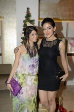 Rucha Gujrathi at Zoya Christmas special hosted by Nisha Jamwal in Kemps Corner, Mumbai on 20th Dec 2012 (104).JPG