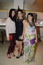 Rucha Gujrathi at Zoya Christmas special hosted by Nisha Jamwal in Kemps Corner, Mumbai on 20th Dec 2012 (106).JPG