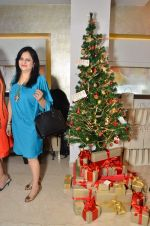 at Zoya Christmas special hosted by Nisha Jamwal in Kemps Corner, Mumbai on 20th Dec 2012 (121).JPG
