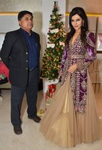 Arif Padiath Of Zoya with Nisha Jamwal at Zoya Christmas special hosted by Nisha Jamwal in Kemps Corner, Mumbai on 20th Dec 2012.JPG