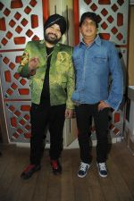 Sunil Agnihotri with Daler Mehndi  at the song recording of Sunil Agnihotri_s film Balwinder Singh Famous Ho in Mumbai on 23rd Dec 2012.JPG