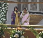 Twinkle Khanna at Akshay Kumar_s sister Alka Bhatia_s wedding with Surendra Hiranandani in Four Bungalows Gurdwara on 23rd Dec 2012,1 (4).JPG