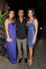 Amrita Arora, Vikram Phadnis, Malaika Arora Khan at Anu and Sunny Dewan_s bash in Mumbai on 24th Dec 2012,1 (235).JPG