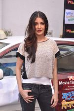 Anushka Sharma promotes TAB cab in Famous Studio on 24th Dec 2012 (55).JPG