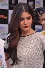 Anushka Sharma promotes TAB cab in Famous Studio on 24th Dec 2012 (58).JPG