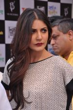 Anushka Sharma promotes TAB cab in Famous Studio on 24th Dec 2012 (59).JPG