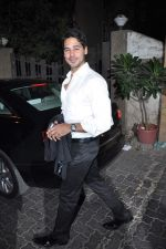 Dino Morea at Anu and Sunny Dewan_s bash in Mumbai on 24th Dec 2012 (66).JPG