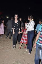 Kareena Kapoor, Karisma Kapoor at Midnight Mass in Bandra, Mumbai on 24th Dec 2012 (7).JPG