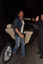 Sunil Shetty at Anu and Sunny Dewan_s bash in Mumbai on 24th Dec 2012,1 (204).JPG