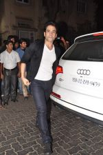 Tusshar Kapoor at Anu and Sunny Dewan_s bash in Mumbai on 24th Dec 2012,1 (291).JPG