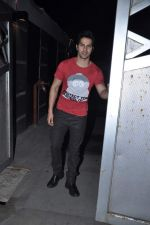Varun Dhawan at Jackky Bhagnanis_s bash in Juhu, Mumbai on 24th Dec 2012 (36).JPG