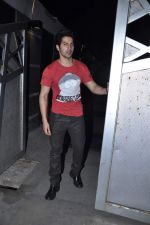 Varun Dhawan at Jackky Bhagnanis_s bash in Juhu, Mumbai on 24th Dec 2012 (38).JPG