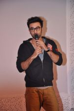 Ranbir Kapoor at Tata Memorial Hospital with cancer patients in Parel, Mumbai on 25th Dec 2012 (54).JPG