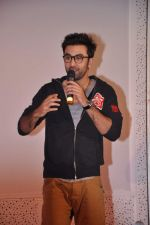 Ranbir Kapoor at Tata Memorial Hospital with cancer patients in Parel, Mumbai on 25th Dec 2012 (55).JPG