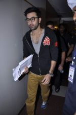 Ranbir Kapoor at Tata Memorial Hospital with cancer patients in Parel, Mumbai on 25th Dec 2012 (80).JPG