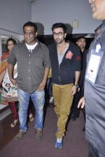 Ranbir Kapoor, Anurag Basu at Tata Memorial Hospital with cancer patients in Parel, Mumbai on 25th Dec 2012 (69).JPG