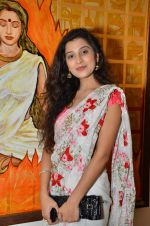 Surbhi Shukla at Bharat Tripathi_s exhibition in Mumbai on 25th Dec 2012 (58).JPG